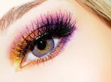 Pretty doll eyes with EOS Briller Violet colored contacts.