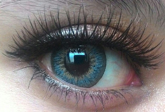 Closeup on Sweety Puffy Grey circle lenses for gorgeous dolly eyes