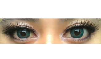 Puffy Turquoise circle lenses on dark eyes (Sweety brand Korea)