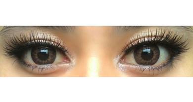 Puffy Hazel circle lenses on dark eyes (Sweety brand Korea)