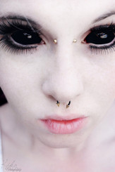 black sclera theatrical contact lenses