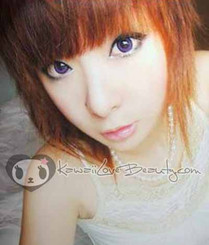 Model photo, Geo CM831 Violet 14.2mm colored contact lenses.