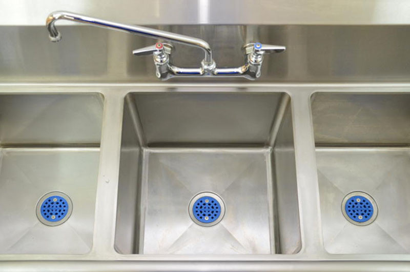 Locking commercial sink strainer - drainshield