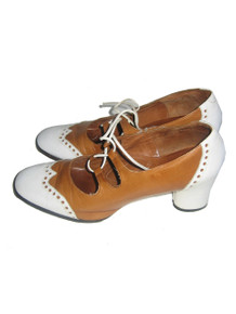 Vintage Stunning Rare Selby Fifth Avenues Tan White Laced Wing Tip Leather Oxford Mod Classic Shoes