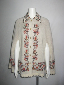 Vintage Warm & Cozy J C Penny Multi-color Pattern Knit & Welt Scallop Edge Buttoned Cape Poncho