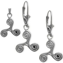10 Karat White Gold Celtic Triskele Earrings & Pendant Set with chain