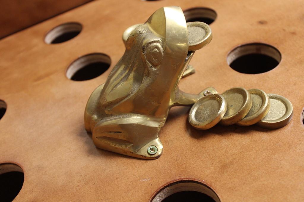 Sapo Game Accesories: Bronze Sapo, Bronze Frog/ Toad
