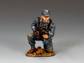 WH079 Kneeling Panzer Grenadier with Schmeisser by King and Country