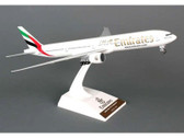 SKR727 | Skymarks Models 1:200 | Boeing 777-300 Emirates A6-EBQ (with gear)