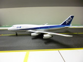 A13056 Apollo 400 1:400 Boeing 747-481 ANA All Nippon Airways JA8960