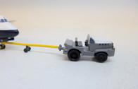 SC235 | Sky Classics Airport Vehicles 1:200 | Aircraft Tug & Tow Bar BOAC (grey/white)