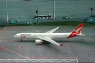 PH11147 | Phoenix 1:400 | Airbus A330-300 Qantas VH-QPA, '80th'
