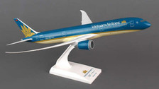 SKR828 | Skymarks Models 1:200 | Boeing 787-9 Vietnam Airlines (2014 colours) | is due: TBC