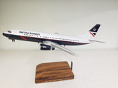 CU007 | Custom Made Desktop Models 1:100 | Boeing 737-400 British Airways G-DOCS, 'Landor'