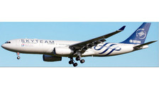 LH4007   JC Wings 1:400   Airbus A330-200 China Eastern B-5908, 'SkyTeam'   is due: June 2016