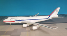 IF7441016 | InFlight200 1:200 | Boeing 747-400 South Korea AF 10001 (with stand)