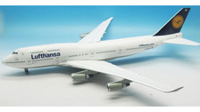 WB-CLASSIC-L400 | JFox Models 1:200 | Boeing 747-400 Lufthansa D-ABVB (with stand)