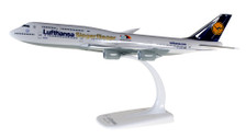 611435 | Herpa Snap-Fit (Wooster) 1:250 | Lufthansa Boeing 747-8 Intercontinental D-ABYK 'Siegerflieger Paralympics Rio 2016' | is due: March / April 2017