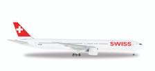 529136-001 | Herpa Wings 1:500 | Boeing 777-300ER Swiss HB-JNF | is due: May / June 2017