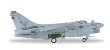 580175 | Herpa Wings 1:200 1:72 | A-7E Corsair II US Navy 307, VA-46 'Clansmen', 25 Years Operation Desert Storm