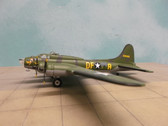 AA31102 | Corgi 1:144 | Boeing B-17F Flying Fortress 124485, USAAF, 'Memphis Belle'