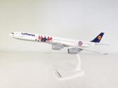 611329   Herpa Snap-Fit (Wooster) 1:250   Airbus A340-600 Lufthansa,'FC Bayern Munich Summer Tour USA 2016' (Plastic) D-AIHK