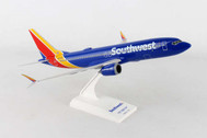 SKR938 | Skymarks Models 1:130 | Boeing 737 MAX 8 Southwest (with WiFi dome) | is due: September 2017