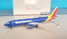 ACN8702L | Aero Classics 1:400 | Boeing 737-800MAX Southwest N8702L
