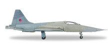 558099 | Herpa Wings 1:200 1:200 | F-5E Tiger II US Navy 159880 #43, Topgun, NAS Miramar (Heather VSR colour scheme)