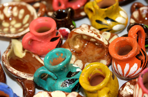 Mini Party Favor Mexican Clay Pots Dollhouse Miniatures - Set of 10