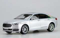 1/18 Dealer Edition Ford Taurus (Silver)