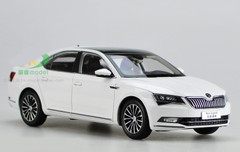 1/18 Dealer Edition Skoda Superb (White)