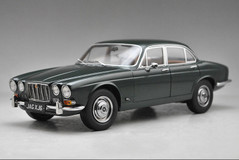 1/18 Paragon 1971 Jaguar XJ6 Series 1 (Green)