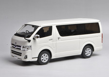 1/18 Kyosho Toyota Hiace Super GL (White)