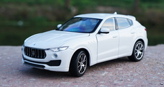 1/24 Welly FX Maserati Levante (White)