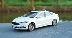 1/18 Dealer Edition 2018 Ford Mondeo (White)