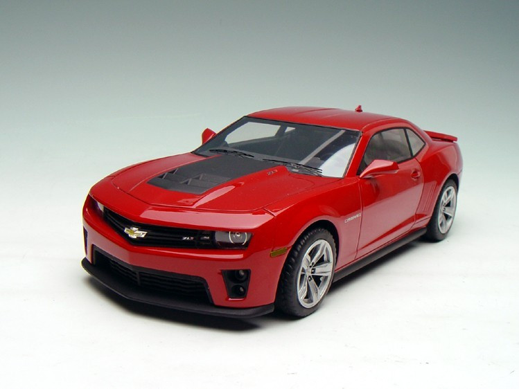 1  18 resin hand made chevrolet camaro zl1  red