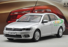 NEW DEALER 1/18 VOLKSWAGEN VW BORA (SILVER) DIECAST CAR MODEL