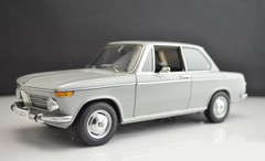 AUTOart 1/18 BMW 1600-2 (GREY) DIECAST CAR MODEL