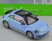 1/18 VOLKSWAGEN VW BEETLE (BLUE) DIECAST CAR MODEL