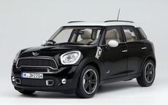 1/18 MINI COOPER COUNTRYMAN (BLACK) CAR MODEL!