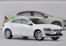 1/18 Dealer Edition Volvo S60L (White)