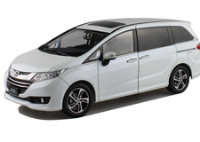 1/18 Dealer Edition Honda Odyssey (White)