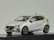 1/43 Dealer Edition Mazda 2 / Demio (Silver)