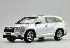 1/18 Dealer Edition 2015 Toyota Highlander (Silver)