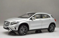 1/18 Dealer Edition Mercedes-Benz GLA (Silver)