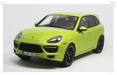 1/18 GTSpirit Porsche Cayenne Limited Edition