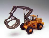1/50 MOTORART VOLVO L180C High Lift Log Loader