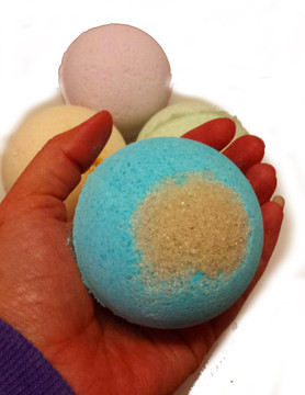 Shea Butter Bath Bombs - Avo & Honey