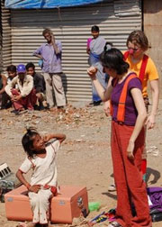 Clowns Without Borders' mission to India